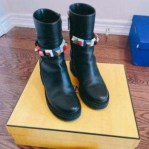9.8/10 New Fendi Boots, 100% authentic.